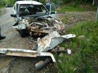 İş makinesiyle otomobil çarpıştı: 1 yaralı