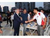 Vali Karaloğlu Antalyaspor taraftarıyla iftarda buluştu