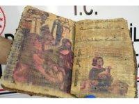 Diyarbakır'da 1400 yıllık dini kitap ele geçirildi
