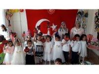Kur'an-Kursundaki Minik Öğrenciler Karne Heyecanı Yaşadı