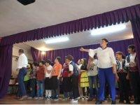 Minik öğrenciler 'Pırlanta Bal' oyununu sahneledi