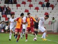 Spor Toto Süper Lig: DG Sivasspor: 2 - Galatasaray: 2 (İlk yarı)