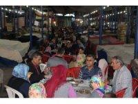Kula'da manav esnafını ve vatandaşları buluşturan iftar