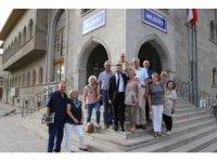 Türk-Alman Dostluk birliği üyeleri, Arı'yı ziyaret etti