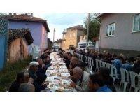 Köy muhtarından 400 kişilik iftar yemeği