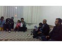 Kaymakam ve belediye başkanı 5 kişilik aileyle iftar açtı