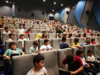 3 bin çocuğa sinema keyfi