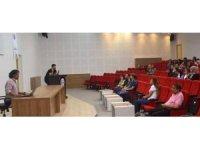 Nizip'te bilinçli ilaç kullanım konferansı