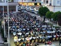 Çiçekdağı İlçe Belediyesi 2 bin kişiye 'Gönlümüz bir, Soframız bir' iftarı düzenledi