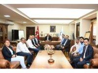 AK Parti heyeti Rektör Turgut'u tebrik etti