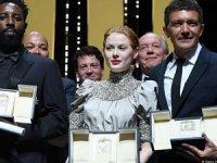 Cannes'da Altın Palmiye Güney Koreli yönetmene