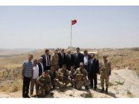 Vali Yaman, bin 100 rakımda nöbet tutan korucuların bayramını kutladı