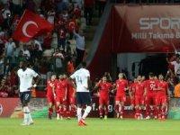 Muhteşem zafer! Türkiye-Fransa: 2-0
