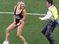'Liverpoollu futbolcular flört mesajı attı'