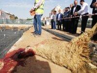 Kızıltepe'de 3 bin kişilik caminin temeli dualarla atıldı