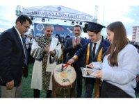 Ardahan Üniversitesi'nde görkemli mezuniyet töreni