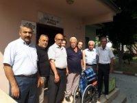 TÜED, Tarsus'ta 10 kişiye tekerlekli sandalye dağıttı