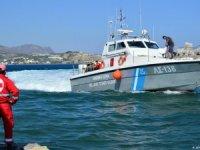 Türk teknesi Yunanistan'da durduruldu: 2 gözaltı...