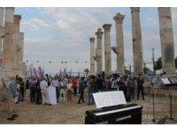 'Güneş Kenti' Mezitli, festivale hazır