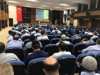 Siirt'te yaz Kur'an kursları öncesi din görevlilerine seminer verildi