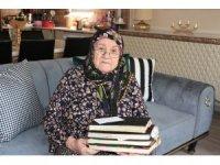 85 yaşındaki Hatice Nine yazdığı bin 300 şiirin kitaplaştırılmasını istiyor