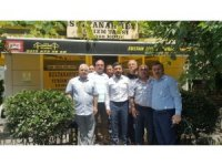 Belediye Başkanı Rasim Arı, Sultanahmet'te taksicilerin misafiri oldu