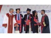 Üniversiteyi dereceyle bitiren öğrencilere ödül
