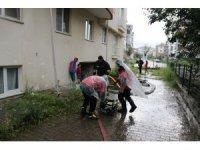 Bolu'da sağanak yağış su baskınlarına neden oldu