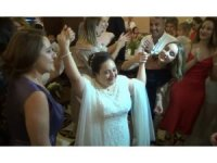 Down sendromlu Nesrin'in 25 yıllık gelinlik hasreti gerçek oldu