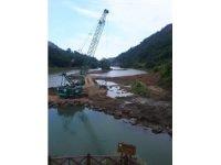 Sera Gölü'nü çamur ve balçıktan temizlemek için çalışmaları sürüyor