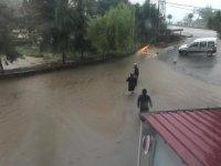 Sağanak yağış Giresun'da hayatı olumsuz etkiledi
