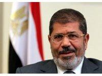 Mursi defnedildi