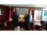 Etimaden Genel Müdürü'nden Başkan Doğan'a el işi portre