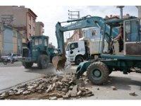 Şuhut'ta parke taşı döşeme çalışmaları