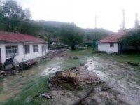 Kızılcahamam'da aşırı yağışlar sele neden oldu