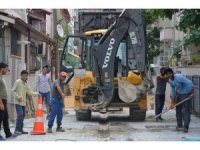 Erenler'de kilitli parke taşları yenileme çalışmaları sürüyor