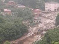 Trabzon Araklı'da HES borusu patladı: 4 kişi sele kapılarak kayboldu
