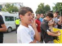 Küçük çocuk Mursi için hıçkıra hıçkıra ağladı
