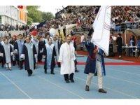 BEÜ'de 5 bin öğrenci mezuniyet coşkusu yaşadı