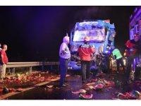 TEM Otoyolu'nda kamyona çarpan tırın sürücüsü öldü