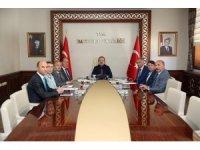 Eğitim, sağlık ve tarım alanındaki yatırımlar Vali Ali Hamza Pehlivan başkanlığında değerlendirildi