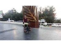 Bisikleti ile 10 ayda 52 il gezdi