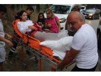 Antalya'da iki araç kafa kafaya çarpıştı: 2 yaralı