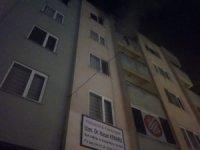 Apartman dairesi yangında büyük zarar gördü
