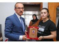 Vali Yavuz, şehit ailesine 'Şehadet Belgesi'ni takdim etti