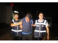 Uyuşturucu kullanıp 1 polis ve 2 kişiyi bıçakladı