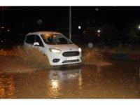 Zonguldak'ta yollar sular altında kaldı