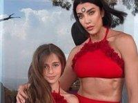 Deniz Akkaya: Anasına bak kızını al