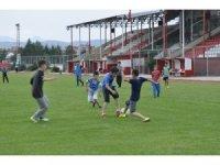 Şuhut Belediye Hisarspor'un minik futbolcuları gelecek için umut veriyor
