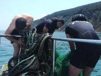 Trol ağları denizin altına gizlenmiş halde bulundu